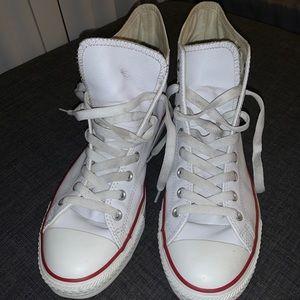 "Converse ""Classics"" Leather Chuck Taylor"